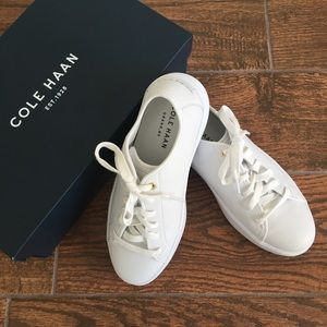 NEW 🤩 Cole Haan white leather sneakers.